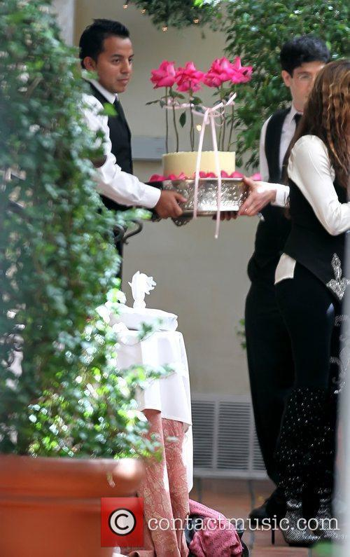 Kathy Hilton's birthday cake Celebrities depart Il Cielo...