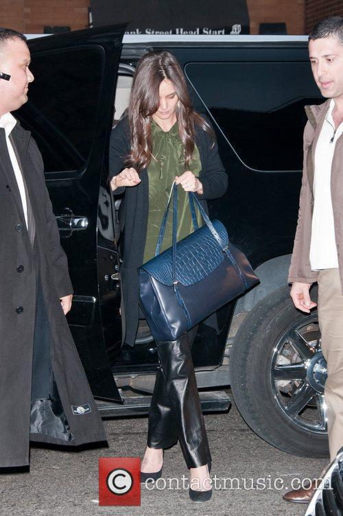 Katie Holmes arriving at her Manhattan apartment New...