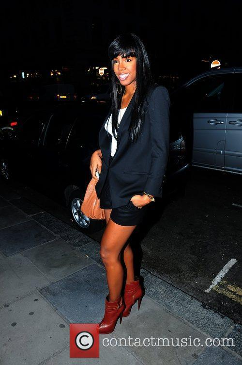 Kelly Rowland arriving at Nobu restaurant in Mayfair...