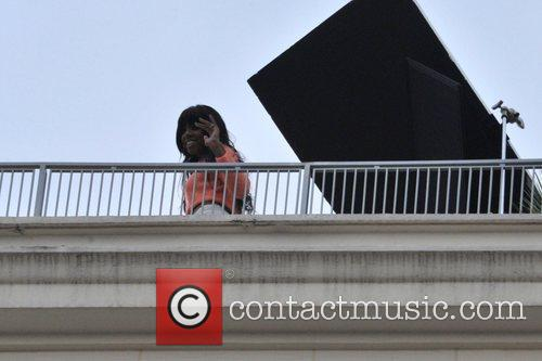Kelly Rowland shoots her new video on a...