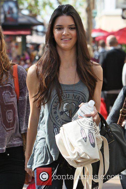 Picture - Kendall Jenner seen leaving PacSun