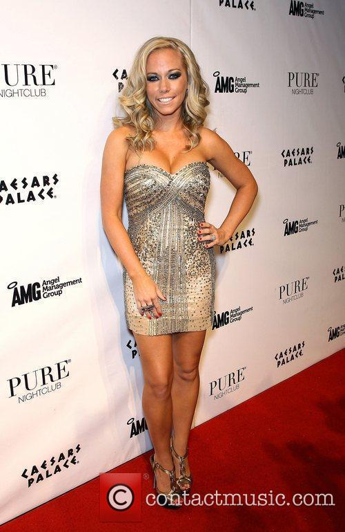 Kendra Wilkinson and Pure Nightclub 10