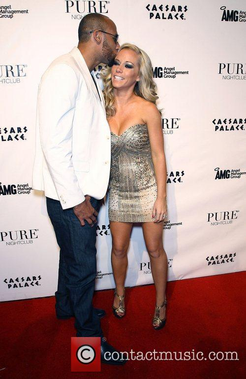 Kendra Wilkinson and Pure Nightclub 1