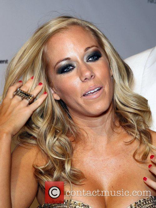 Kendra Wilkinson and Pure Nightclub 7