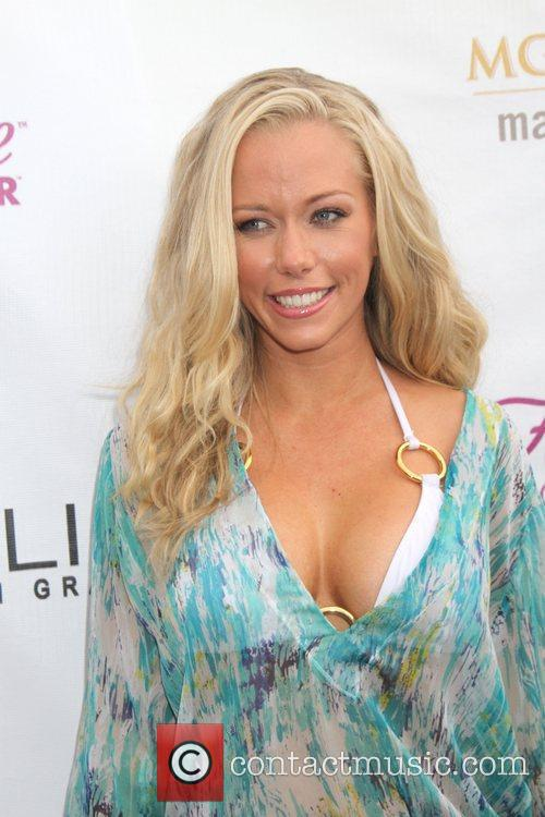 Kendra Wilkinson and Mgm 13