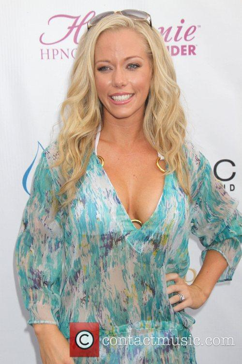 Kendra Wilkinson and Mgm 8