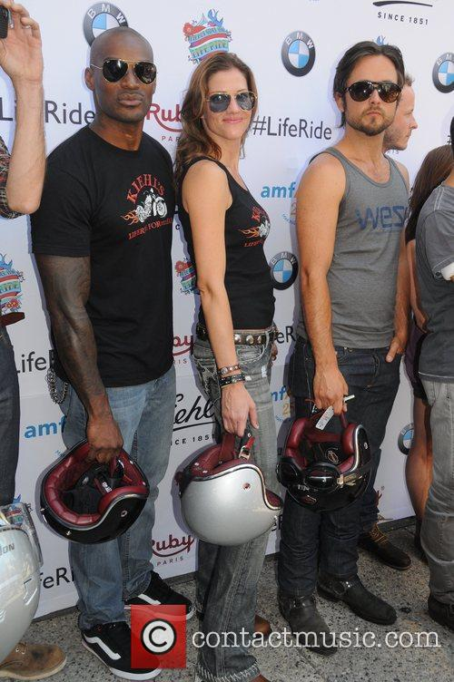 Tyson Beckford, Justin Chatwin and Tricia Helfer 4