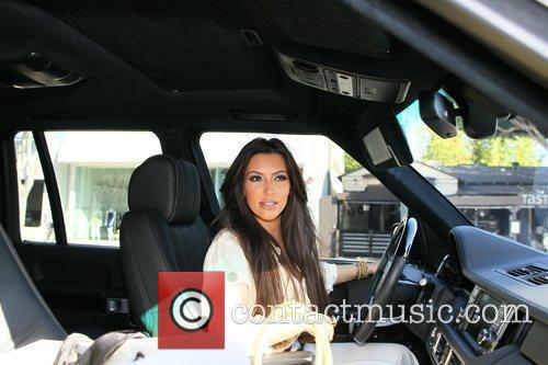 Kim Kardashian and Vera Wang 13