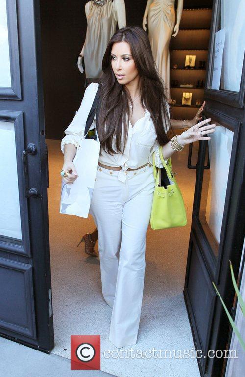 Kim Kardashian and Vera Wang 15