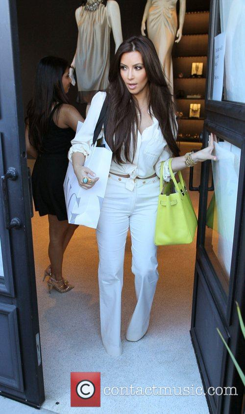 Kim Kardashian and Vera Wang 7