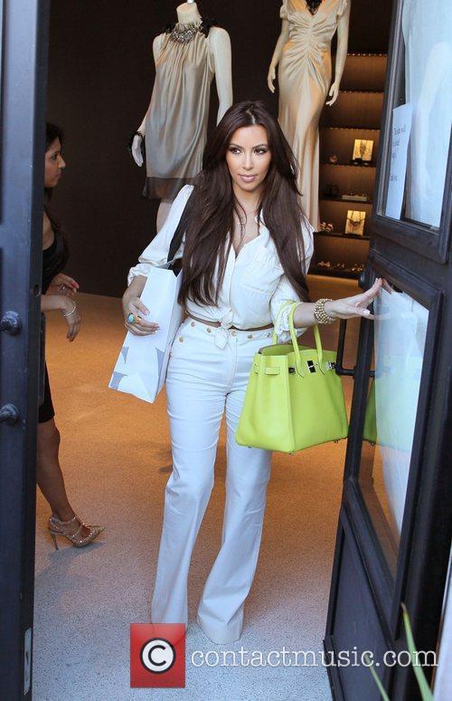 Kim Kardashian and Vera Wang 16