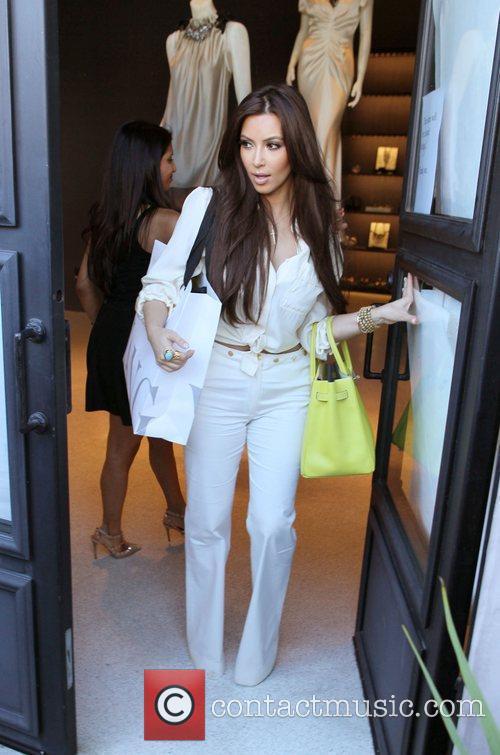 Kim Kardashian and Vera Wang 8