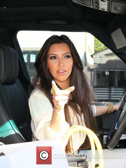 Kim Kardashian and Vera Wang 9