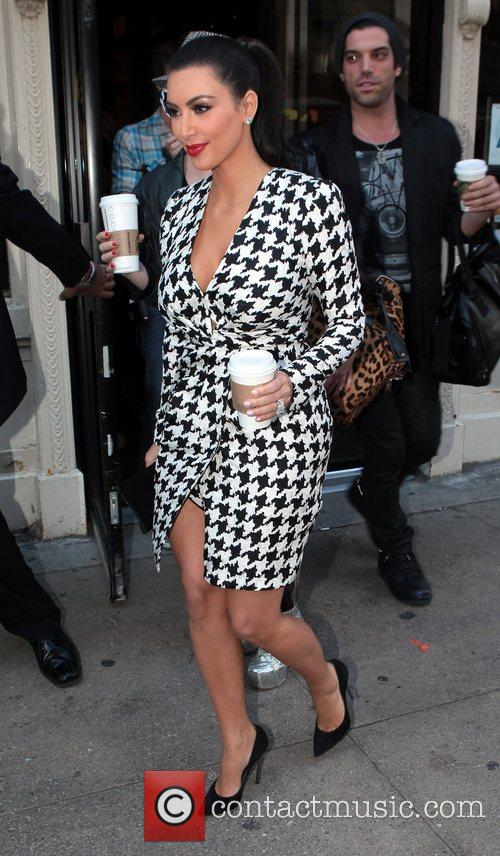 Kim Kardashian and Manhattan Hotel 8