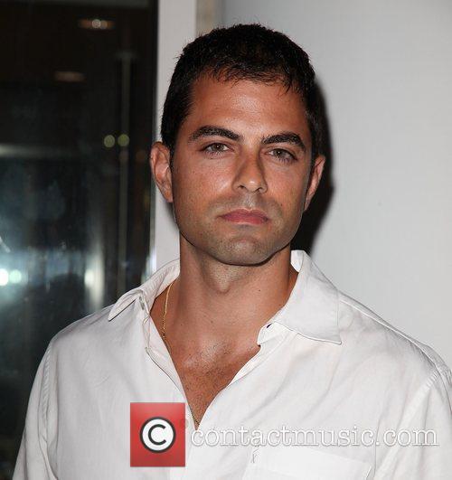 Adrian Bellani 2
