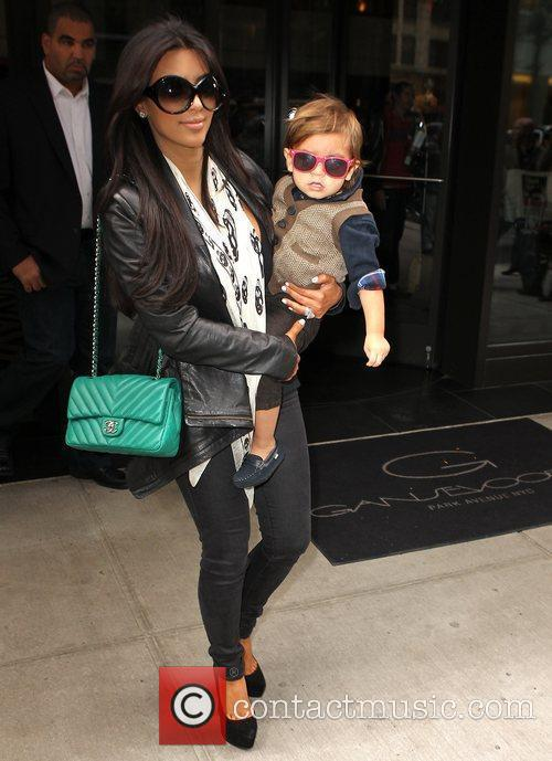 Kim Kardashian, Mason and Manhattan Hotel 5