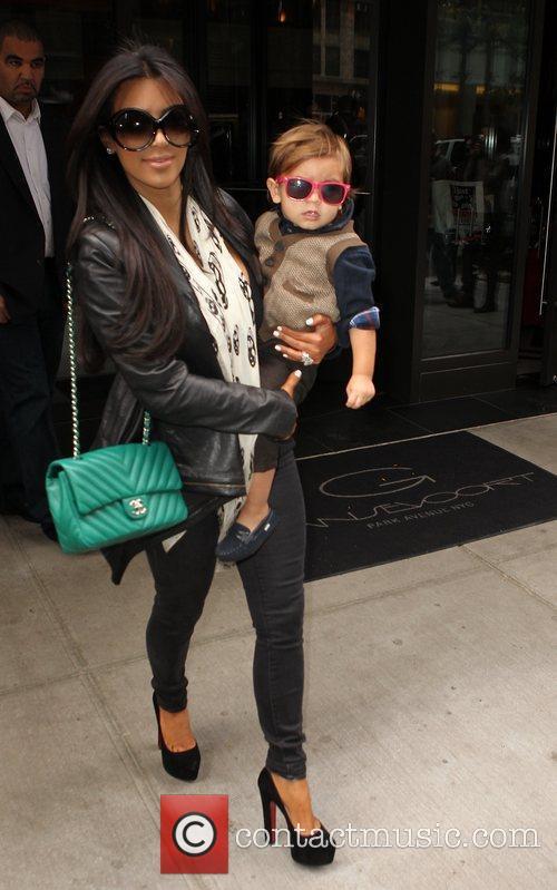 Kim Kardashian, Mason and Manhattan Hotel 17