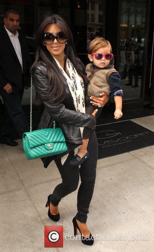 Kim Kardashian, Mason and Manhattan Hotel 4
