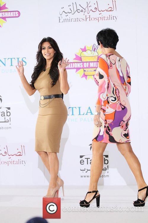 Kim Kardashian, Kris Jenner and Palms Hotel 4