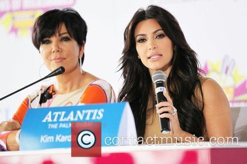 Kim Kardashian, kris jenner and Palms Hotel 3