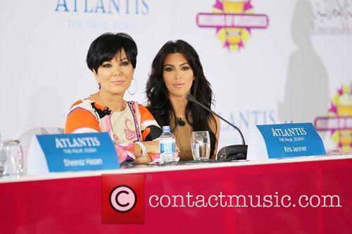 Kim Kardashian, kris jenner and Palms Hotel 12