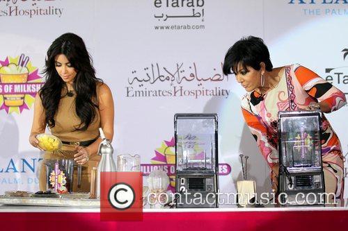 Kim Kardashian, kris jenner and Palms Hotel 14