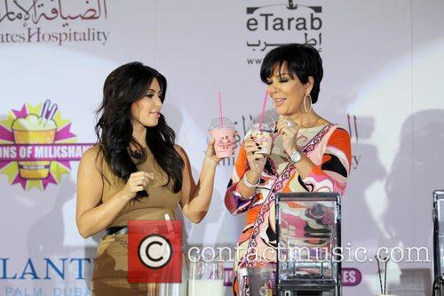 Kim Kardashian, kris jenner and Palms Hotel 21