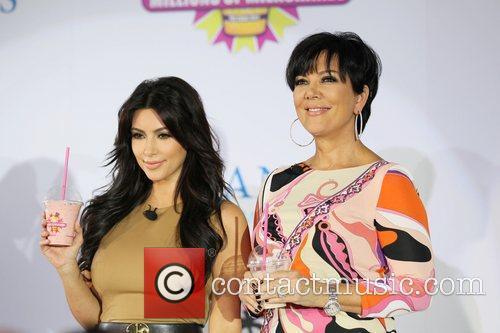 Kim Kardashian, kris jenner and Palms Hotel 13
