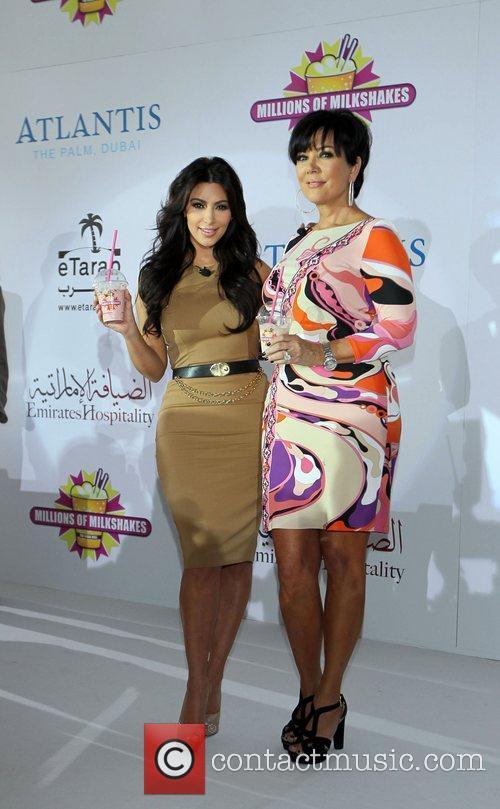 Kim Kardashian, kris jenner and Palms Hotel 16