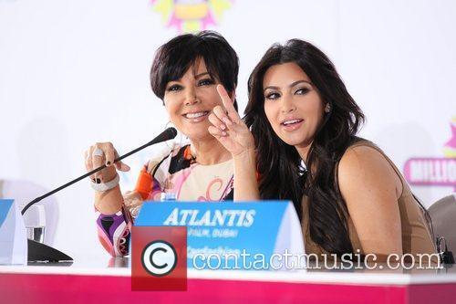 Kim Kardashian, kris jenner and Palms Hotel 20