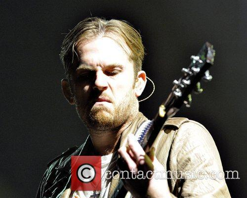 caleb followill kings of leon performs on 5737954