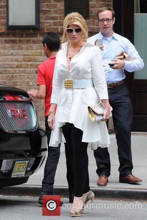 Kirstie Alley leaving her Manhattan Hotel. New York...