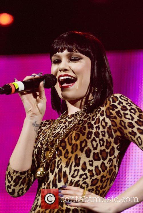 Jessie J  103.5 KISS FM Chicago Fantabuloso...