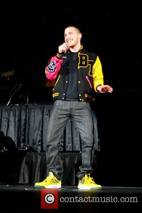 Mike Posner 6