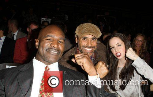 Evander Holyfield, Eliza Dushku and Rick Fox 5
