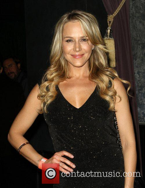 Julie Benz 8