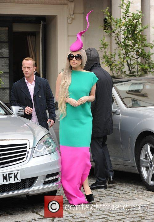 lady gaga leaving her hotel to film 3613211