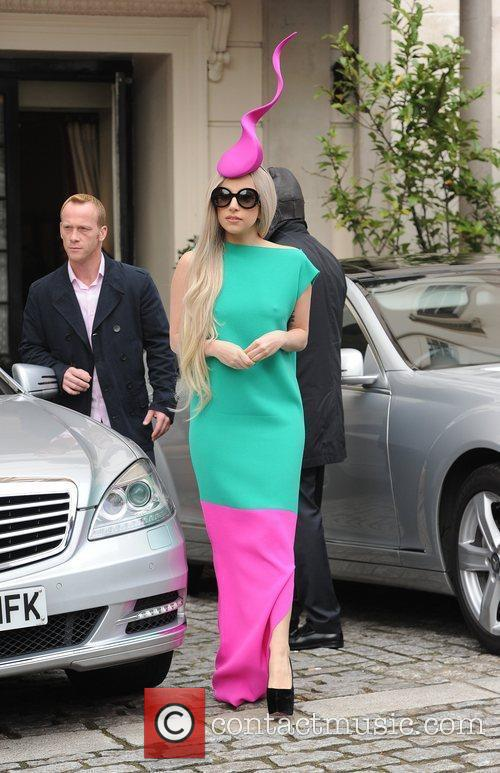 lady gaga leaving her hotel to film 3613212