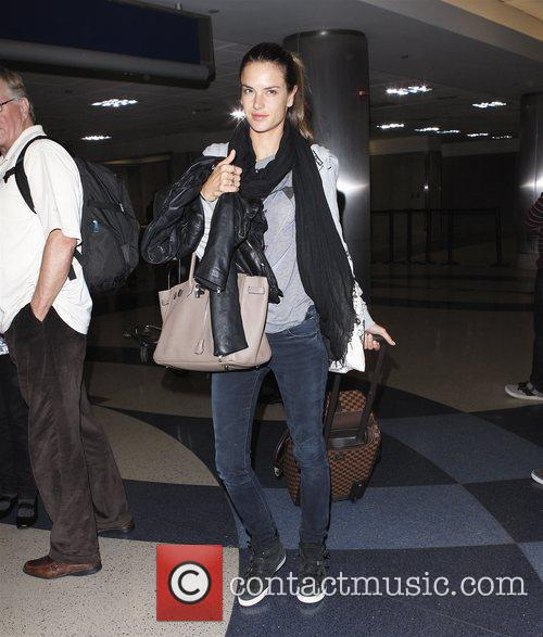 alessandra ambrosio arriving at lax los angeles 3615229