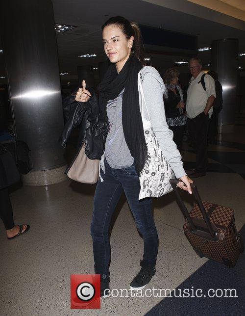 alessandra ambrosio arriving at lax los angeles 3615233