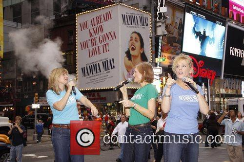 Carol Linnea Johnson, Corinne Melancon, Stacia Fernandez Kickoff...