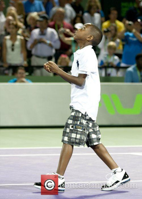 Miami Heat's Dwayne Wade's son Zaire does the...