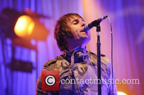 Liam Gallagher and Beady Eye 4