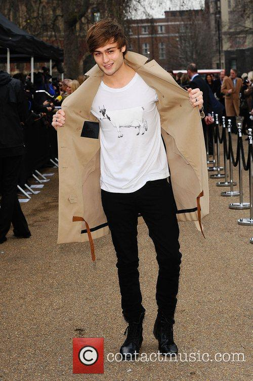 Douglas Booth and London Fashion Week 9