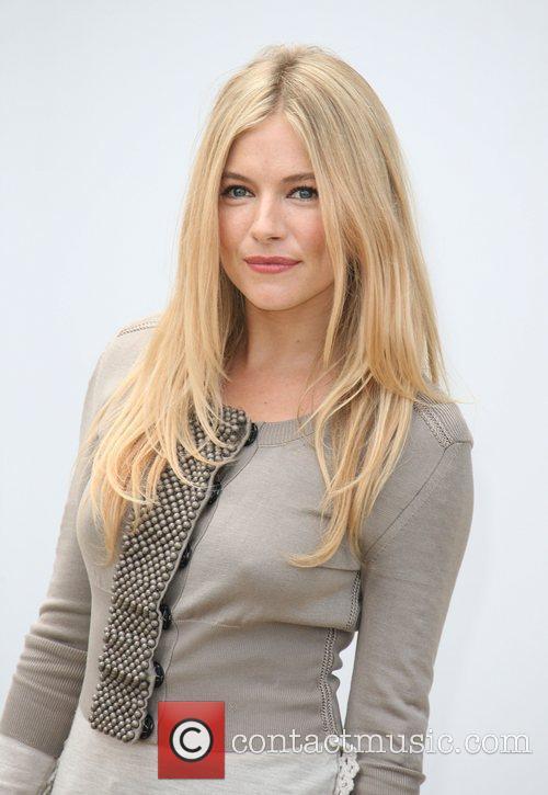 Sienna Miller and London Fashion Week 3