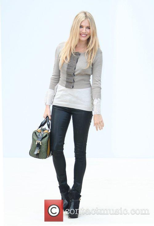 Sienna Miller and London Fashion Week 4