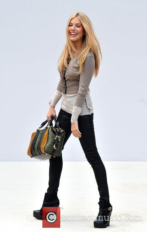 Sienna Miller and London Fashion Week 5