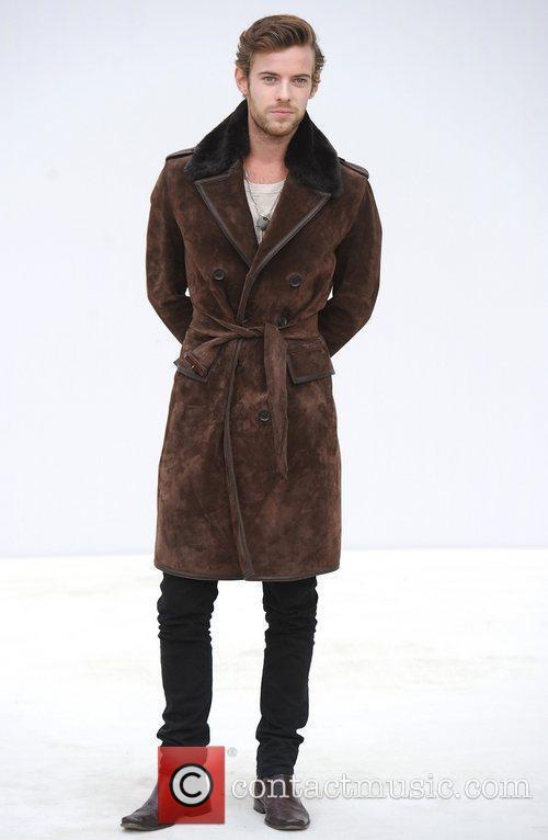 Harry Treadaway and London Fashion Week 5