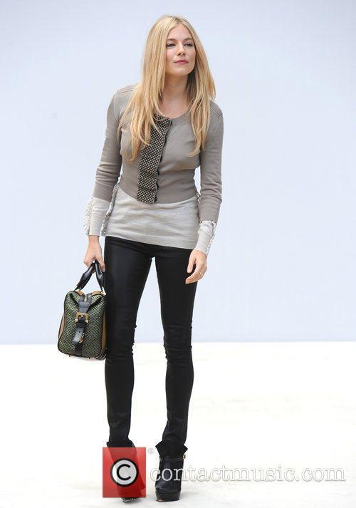 Sienna Miller and London Fashion Week 9