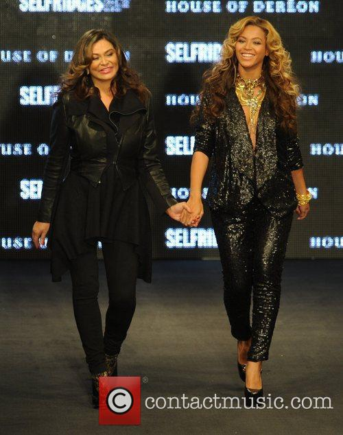 Tina Knowles, Beyonce Knowles and London Fashion Week 4